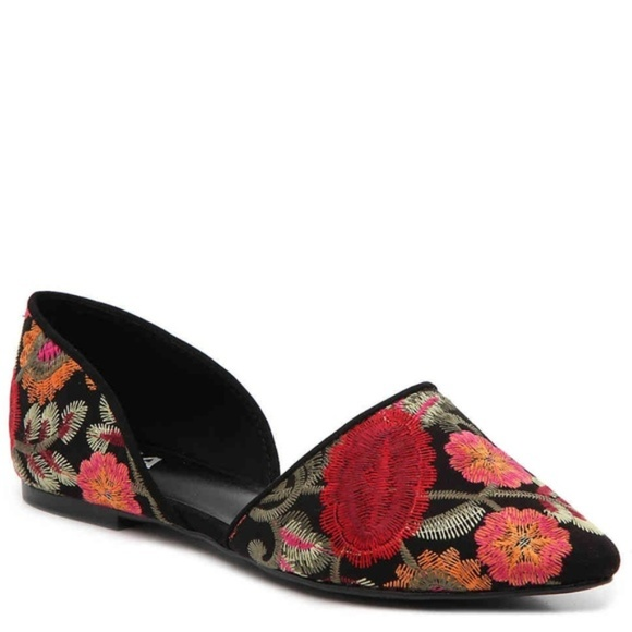 cost charm in stock cheapest price Mia Embroidered Flats Size 9- Worn once!